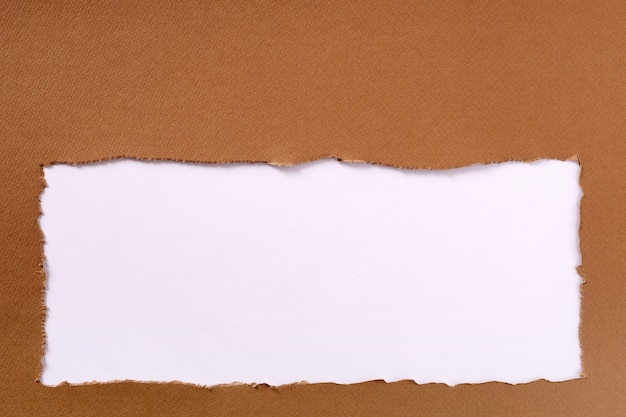 Fundo de quadro branco de papel rasgado