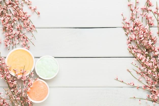 Fundo de spa com um espaço para um texto. spa wellnes cartão de felicitações. tema de aromaterapia, cosmético feito à mão
