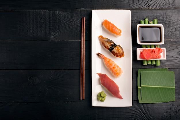 Fundo de sushi japonês tradicional