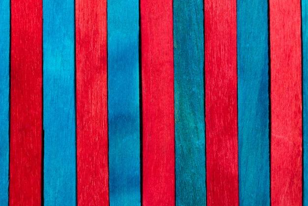 Fundo de textura de madeira de cor azul e vermelho
