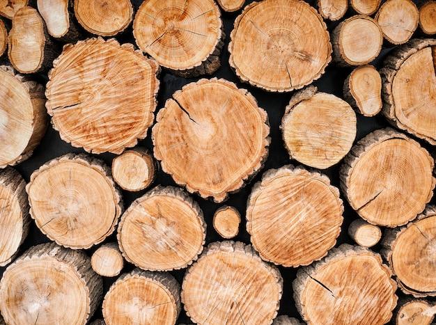 Fundo de troncos de madeira