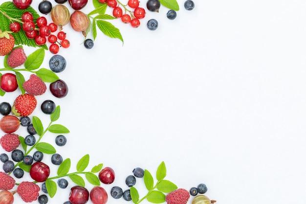Fundo de verão com diferentes frutas