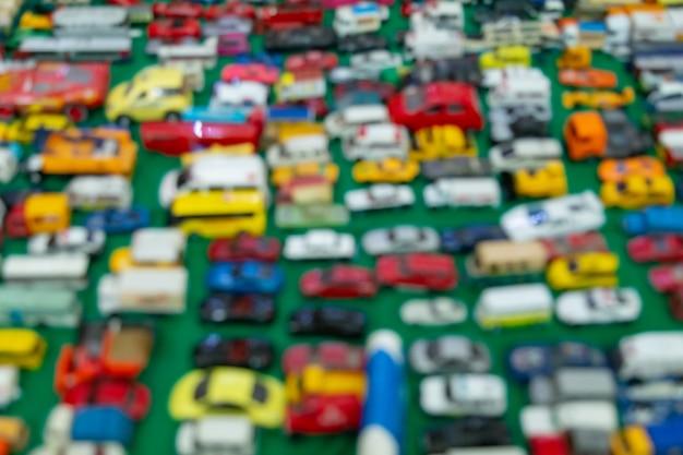 Fundo desfocado de carros na área de estacionamento