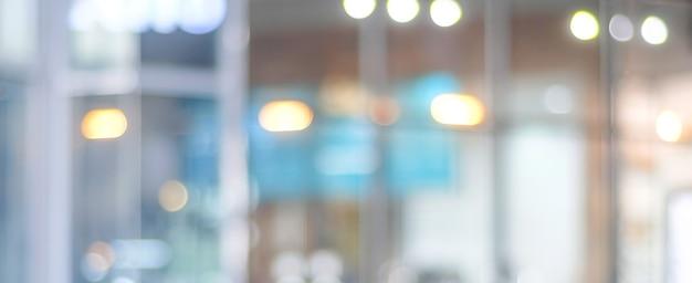Fundo desfocado: desfocar café com bokeh de fundo claro, banner, conceito de comida e bebida