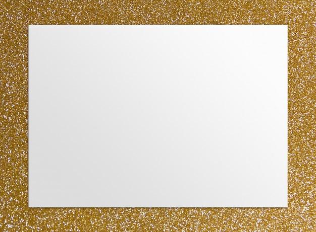 Fundo dourado com papel em branco