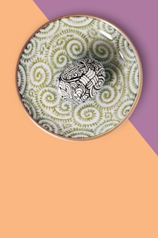 Fundo elegante de ovos de páscoa, pintado à mão.