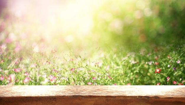 Fundo flor brilhante. florescendo no prado, fundo de verão