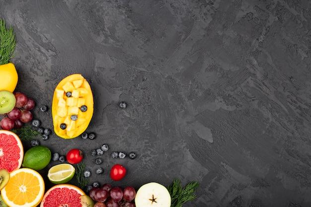 Fundo grunge com deliciosas frutas