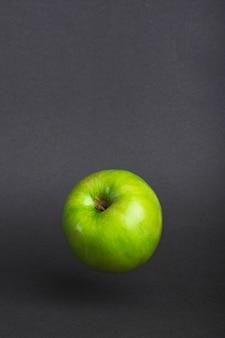 Fundo preto de maçã