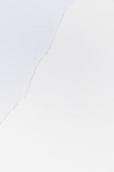 Fundo rasgado com borda de papel branco