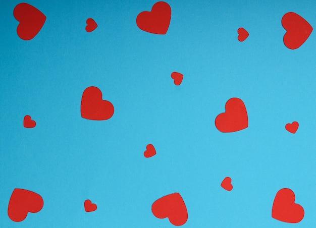 Fundo romântico com corações vermelhos