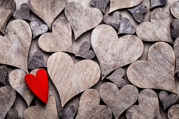 Fundo rústico de dia dos namorados com corações