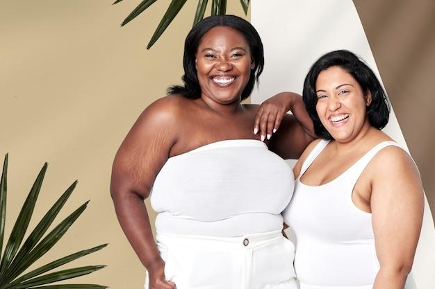 Fundo superior branco atraente modelo plus size