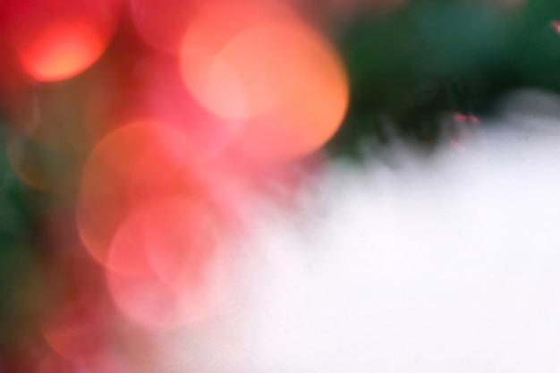 Fundo verde, vermelho, branco para o natal e celebrações festivas.