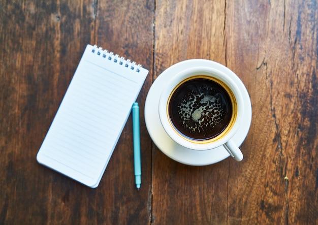 Fundos escrevendo café mesa de trabalho