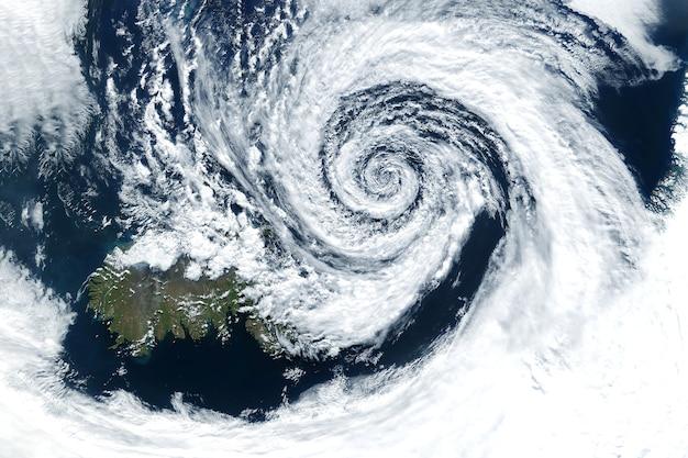 Furacão do espaço o ciclone atmosférico elementos desta imagem fornecida pela nasa