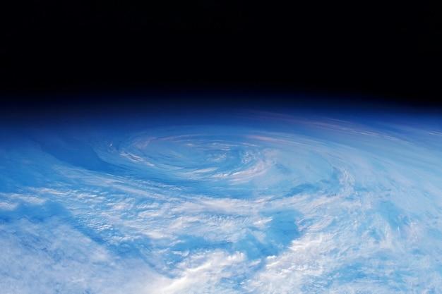 Furacão vindo do espaço, os elementos desta imagem foram fornecidos pela nasa