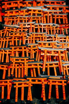 Fushimi inari torii vermelho no japão