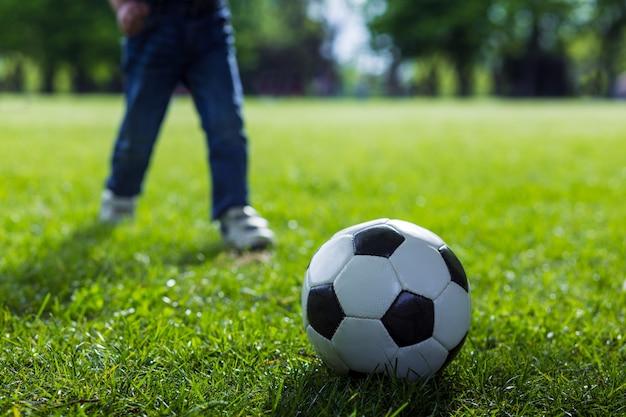 Futebol na grama