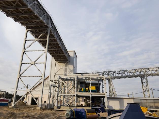 Galeria para transporte de minério. mineração e planta de processamento. mineração de silvinita. construção. distrito de petrikov, república da bielorrússia.