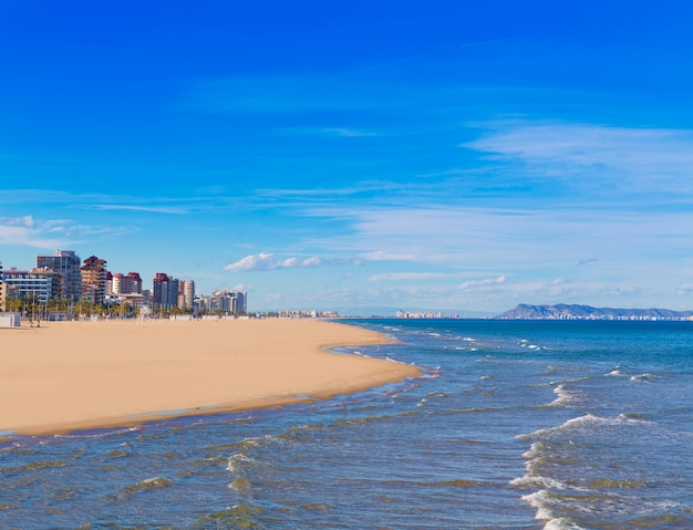 Gandia praia no mar mediterrâneo
