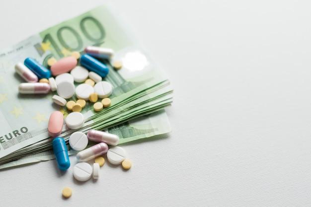 Ganhar dinheiro na indústria farmacêutica ou despesas médicas elevadas
