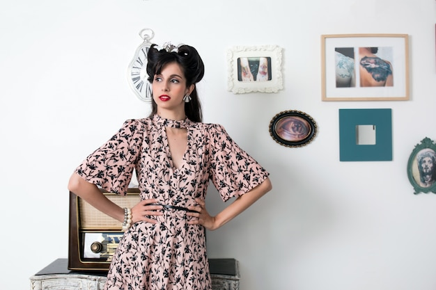 Garota de estilo retrô vintage