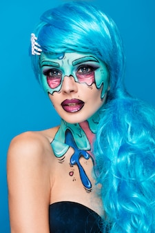 Garota de zumbi na moda. retrato de uma mulher de zumbi pin-up. projeto de pintura corporal. maquiagem de halloween.