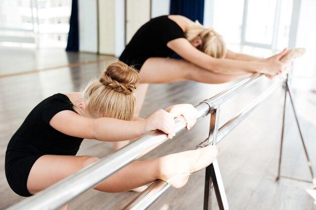 Garota na escola de balé
