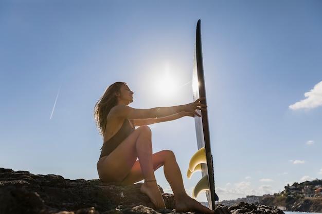 Garota sexy surfista