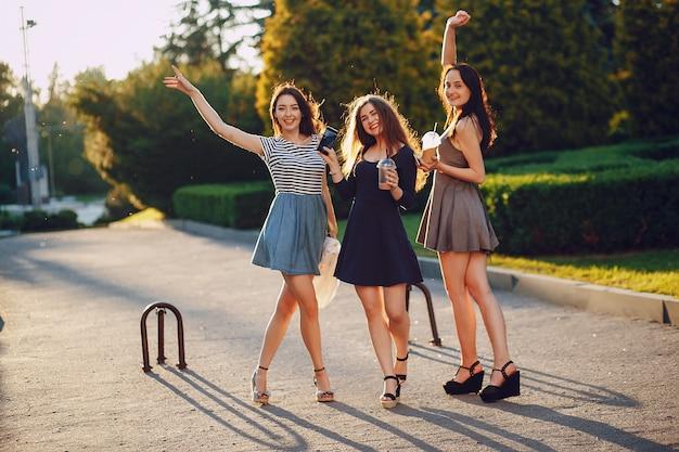 Garotas bonitas