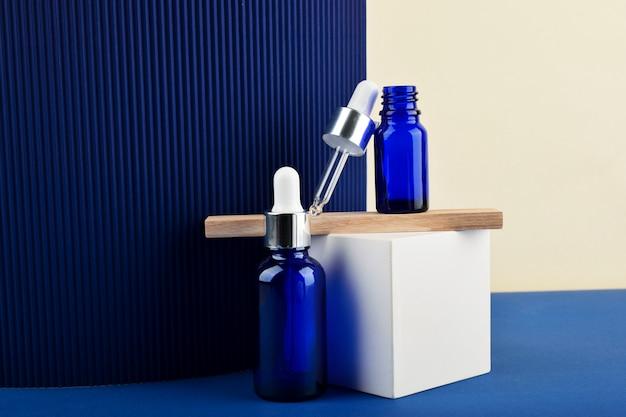 Garrafa azul com ácido hialurônico