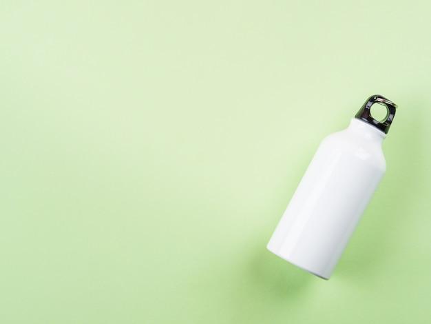 Garrafa de água reutilizável de metal com zero resíduos