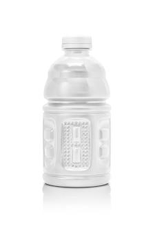 Garrafa de bebida em branco embalagem isolada