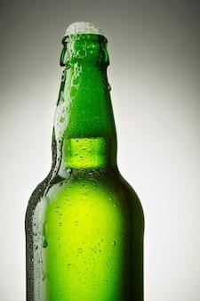 Garrafa de cerveja aberta