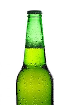 Garrafa de cerveja isolada