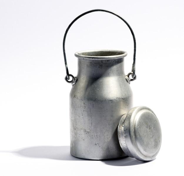 Garrafa de leite de alumínio ou urna