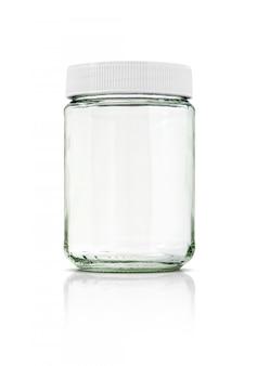 Garrafa de vidro transparente com tampa branca isolada no fundo branco