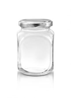 Garrafa de vidro transparente com tampa de prata isolada no fundo branco