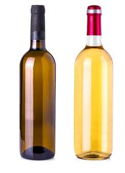 Garrafa de vinho no fundo branco isolado. trajeto de grampeamento