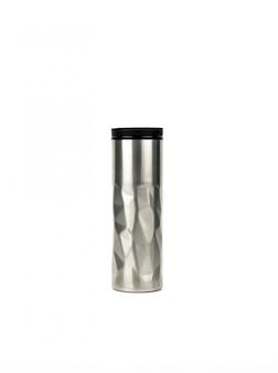Garrafa térmica prata com design moderno, isolado no fundo branco, com espaço de cópia