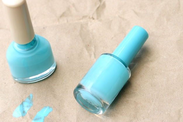 Garrafas de esmalte azul