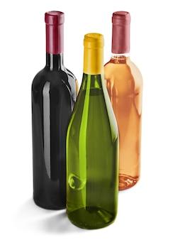 Garrafas de vinho isoladas em branco