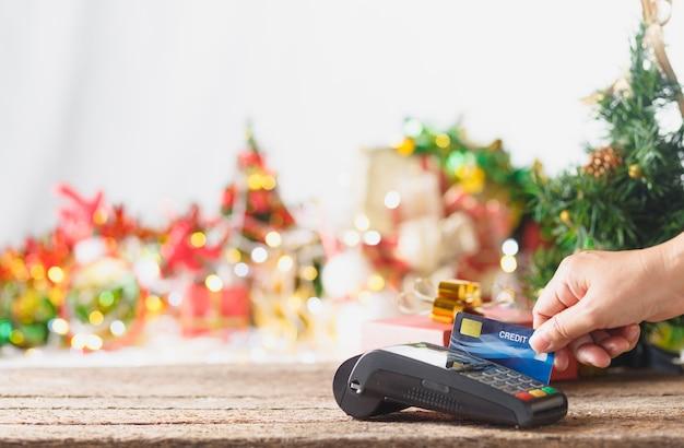 Gastos com créditos para comemorar o natal, conceito de natal