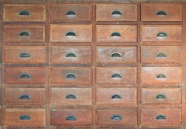 Gaveta de madeira velha - vista frontal.