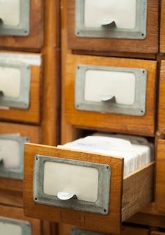 Gavetas de biblioteca