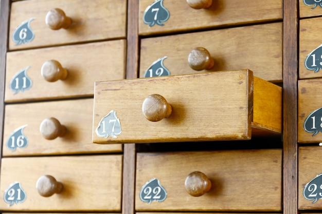 Gavetas de madeira velha estilo retro vintage