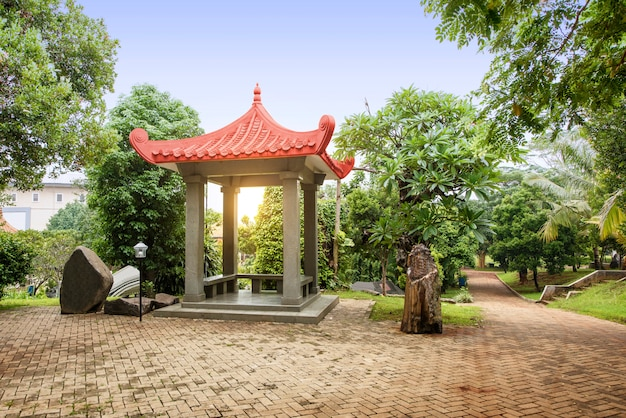 Gazebo chinês edifício no parque