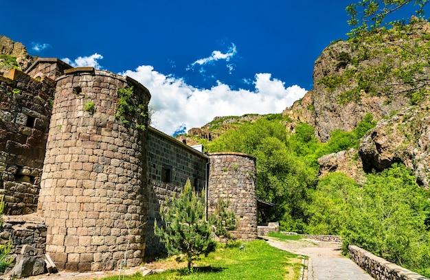 Geghard, um mosteiro medieval na província de kotayk, na armênia