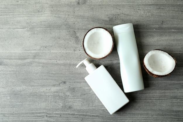 Gel de banho e coco em textura cinza